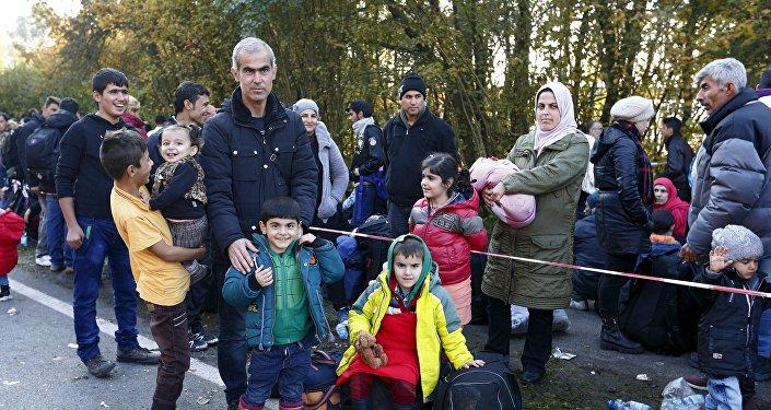 Refugiados sirios en la frontera entre Alemania y Austria (foto de archivo)