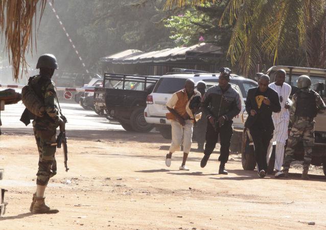 Operación especial para liberar a los rehenes en el hotel de Malí