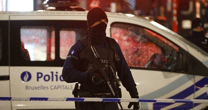 Policía belga en Bruselas