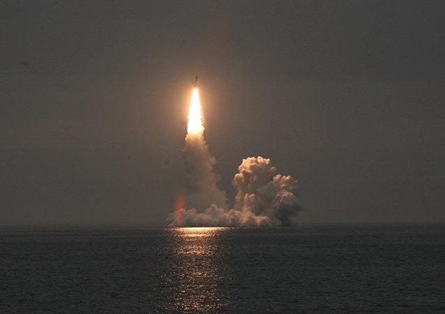 Lanzamiento del misil Bulavá (archivo)