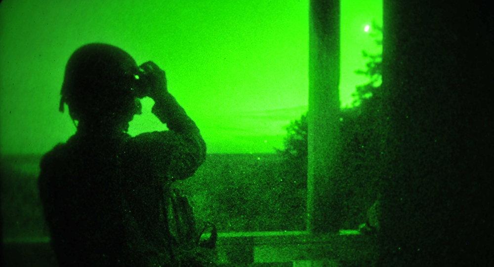 Operación con dispositivos de visión nocturna