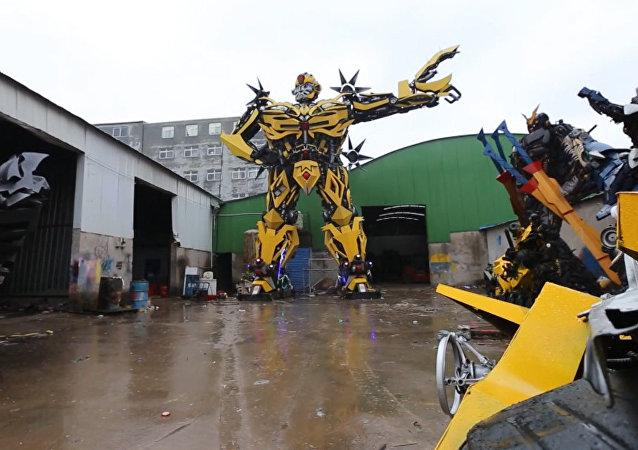 Aficionado chino a los Transformers construye uno para síea