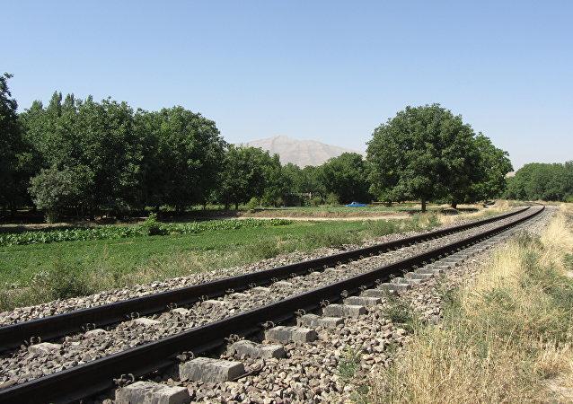 Una vía férrea en Irán