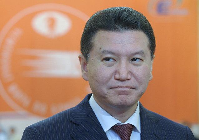 Kirsán Iliumzhínov, el presidente de la Federación Internacional de Ajedrez