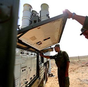 Sistema transportable de misiles S-400 Triumf