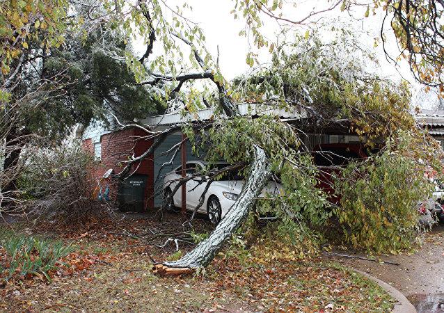 Oklahoma declara estado de emergencia por una tormenta que ha causado 14 muertos