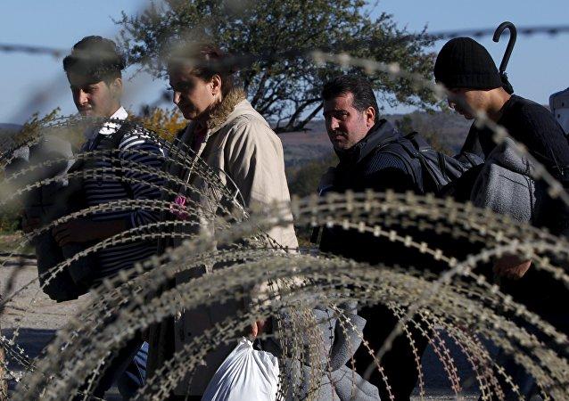 Migrantes en la frontera entre Grecia y Macedonia