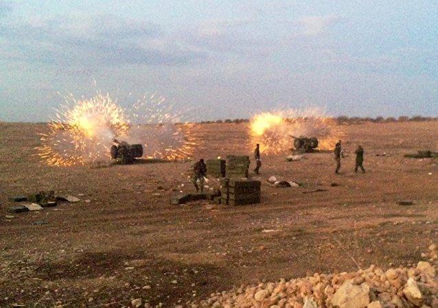 El ejército sirio ataca los integrantes del EI en el norte de la provincia Hama en Siria