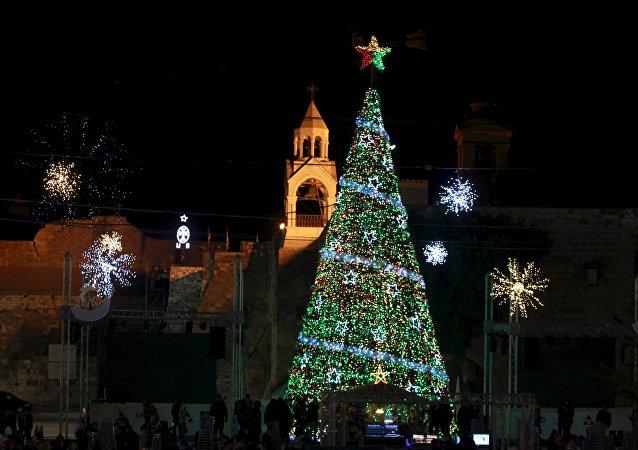 Belén inicia los actos navideños con la esperanza de lograr justicia y paz