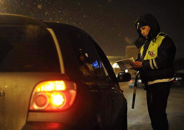 Rusia propone arrestar a conductores que superan límite de velocidad