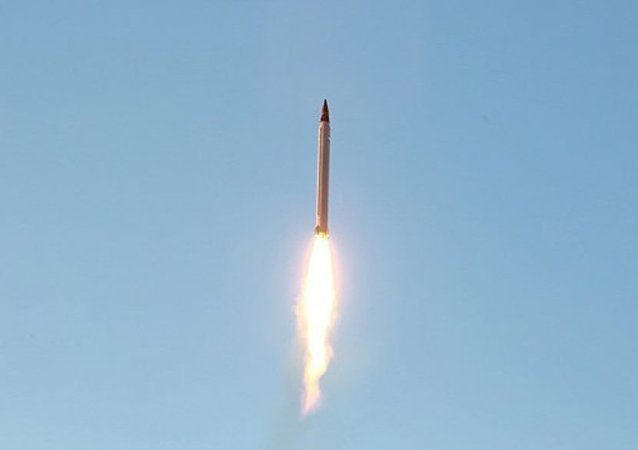 Irán prueba un misil balístico (archivo)