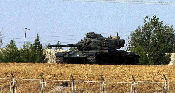 Tanque turco cerca la frontera con Irak (archivo)