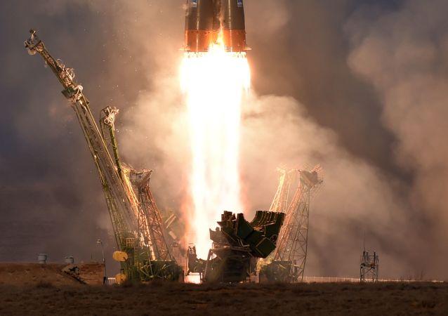 Lanzamiento de un cohete