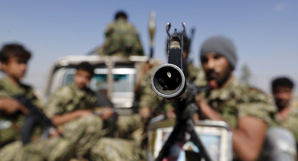 Rebeldes hutíes en Saná, capital yemení