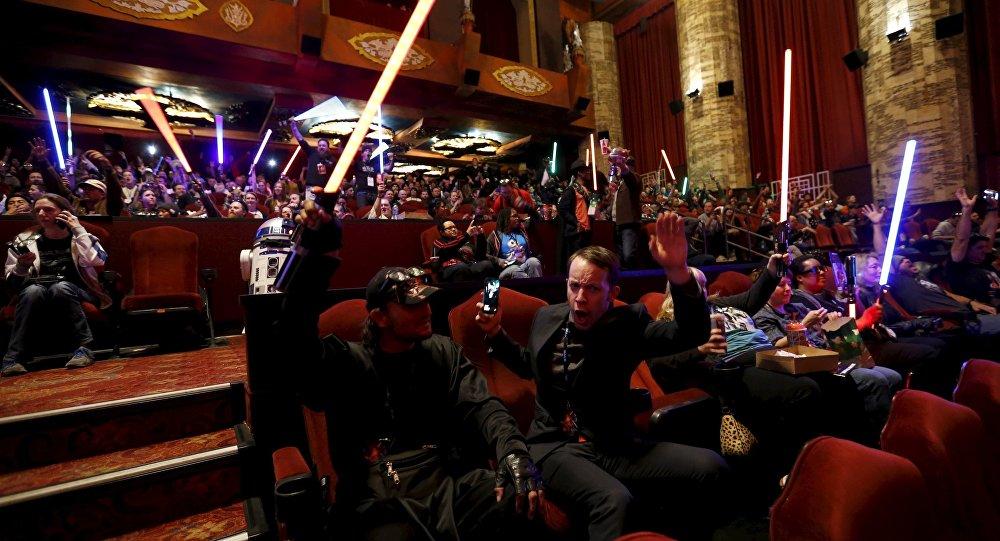 Star Wars revienta la taquilla con $500 millones en un fin de semana