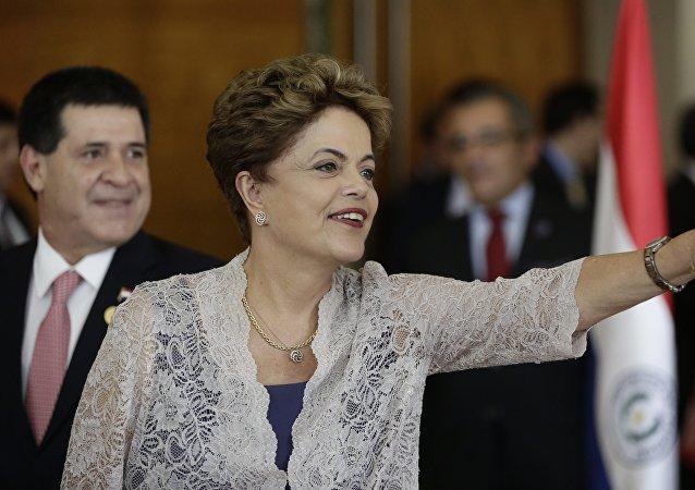 Dilma Rousseff, presidenta de Brasil, durante la Сumbre de Mercosur en Luque, Paraguay