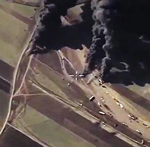 Destrucción de los camiones cisternas de Daesh