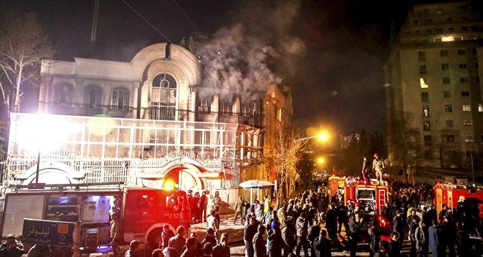Disturbios en Irán contra la embajada saudita trás la ejecución del clérigo en Arabia Saudí