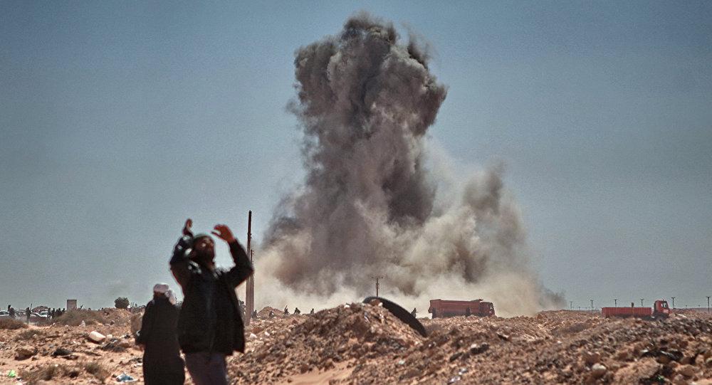 Bombardeos de una ciudad en Libia
