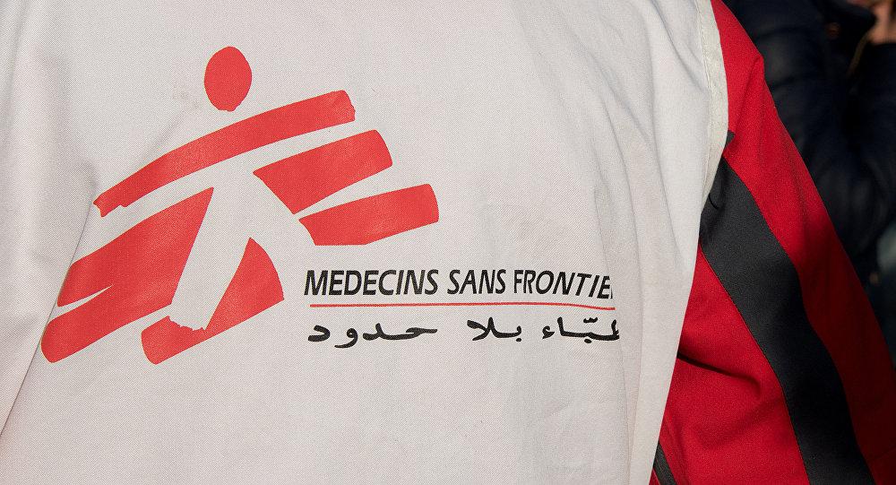 Un voluntario de la organización Médicos Sin Fronteras