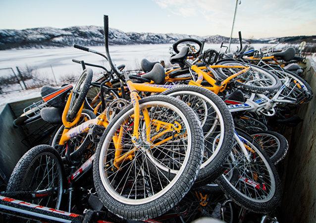 Bicicletas de refugiados usadas para cruzar la frontera entre Rusia y Noruega