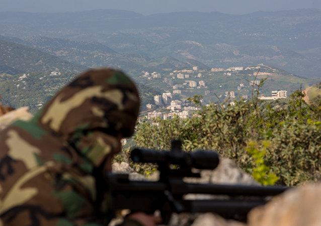 Francotirador durante la operación antiterrorista en las cercanías de la ciudad siria de Kessab