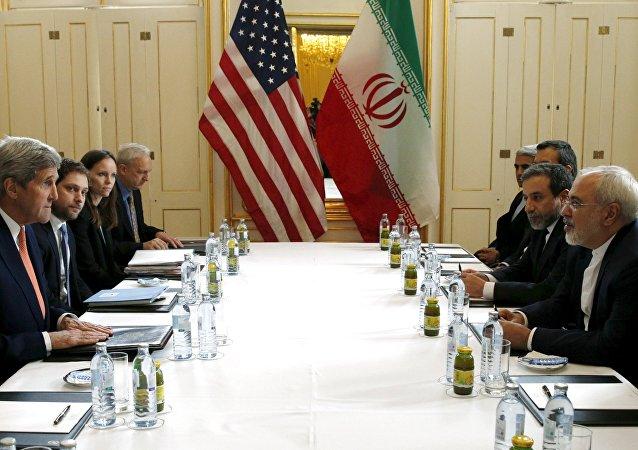 Las negociaciones entre los representantes de EEUU y Irán sobre el programa nuclear (archivo)