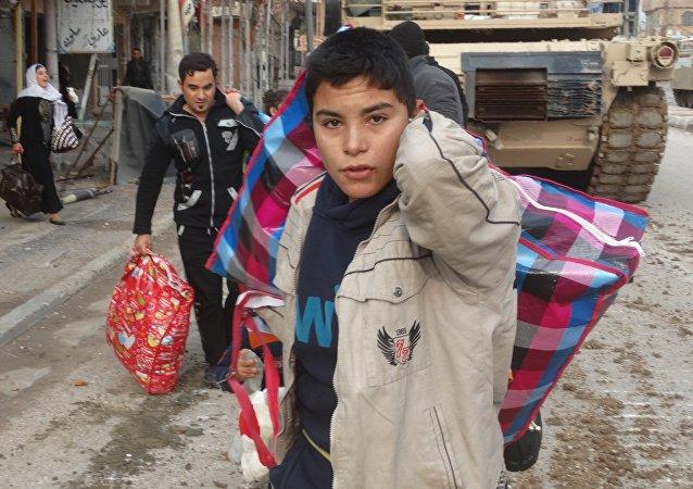 Civiles de Ramadi evacuados por la Fuerza Especial de Irak