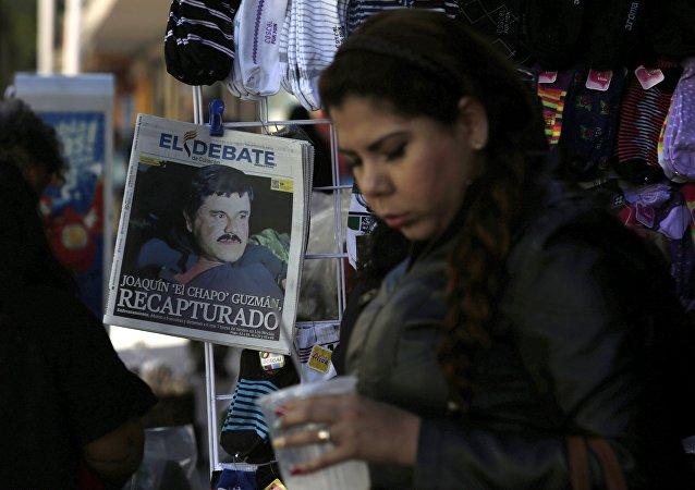 Portada de un periódico tras recaptura de Joaquín El Chapo Guzman en México