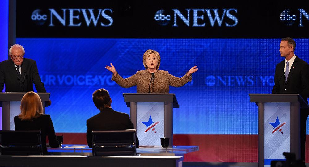 Candidata demócrata a la presidencia de EEUU, Hillary Clinton, durante el debate electoral