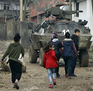 Los civiles kurdos en la ciudad de Silopi, Turquía
