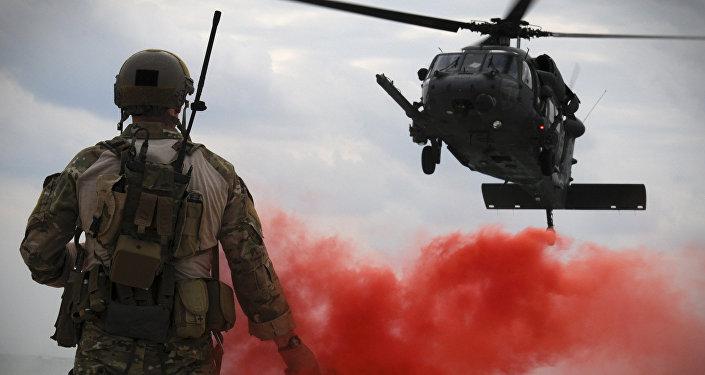 Fuerza Aérea de EEUU en la base militar en Okinawa, Japón