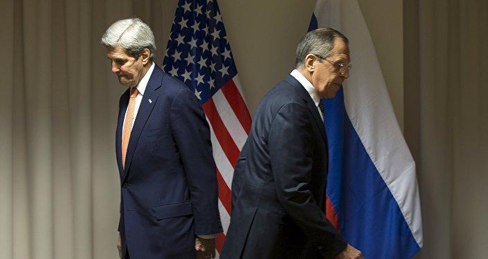 Secretario de Estado de EEUU, John Kerry y ministro de Asuntos Exteriores de Rusia, Serguéi Lavrov