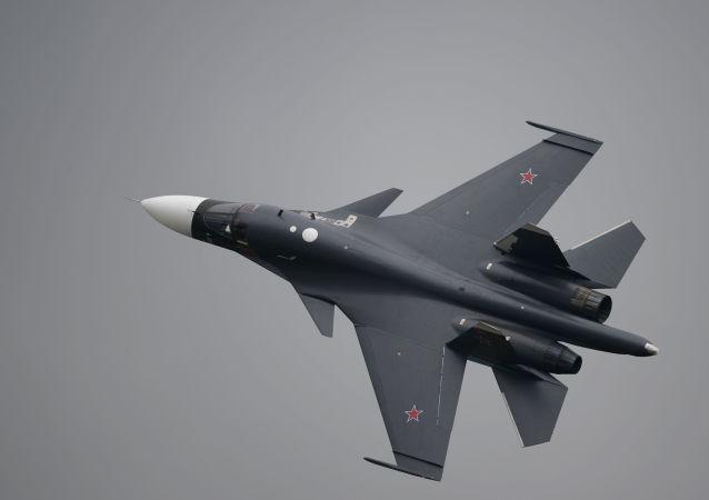 Cazabombardero ruso Su-34 (archivo)