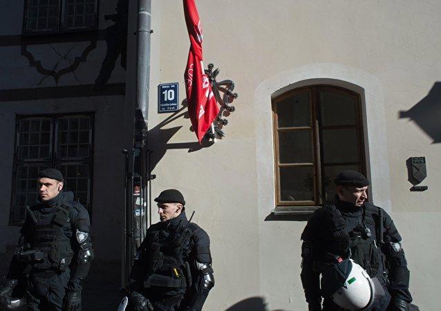 Policías letones en Riga (archivo)