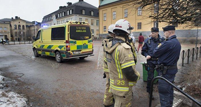 Los bomberos y una ambulancia en Suecia (archivo)