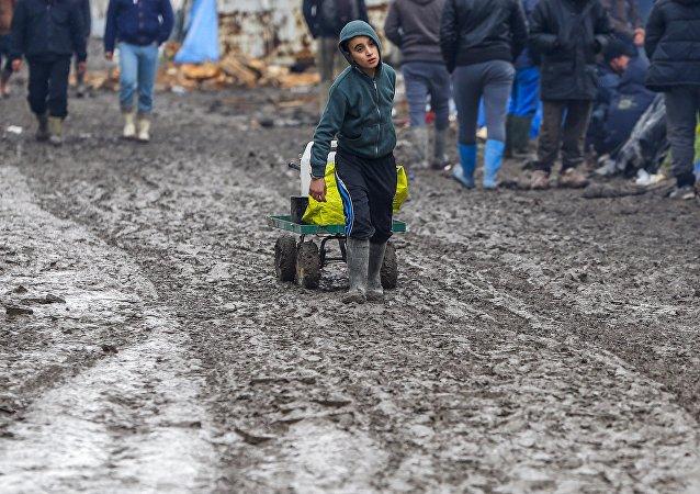 Refugiado menor de edad en cercanías de Calais, Francia. Febrero 2016.