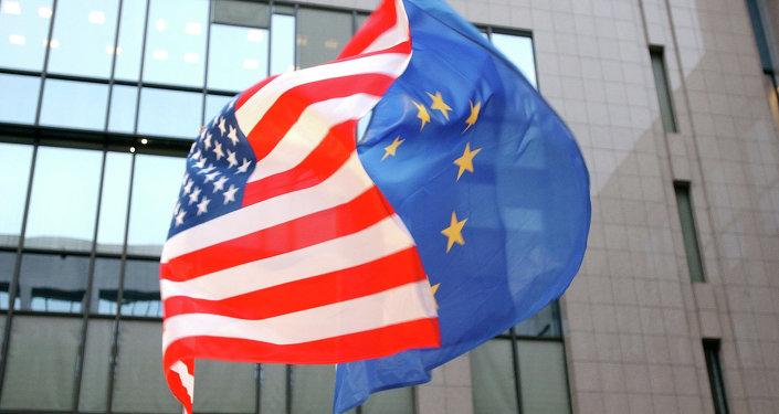 Banderas de EEUU y UE
