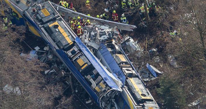 Choque frontal de dos trenes en Alemania
