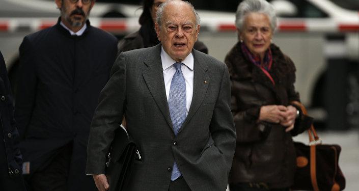 Jordi Pujol, expresidente catalán, y su mujer en la Audiencia Nacional de Madrid (archivo)