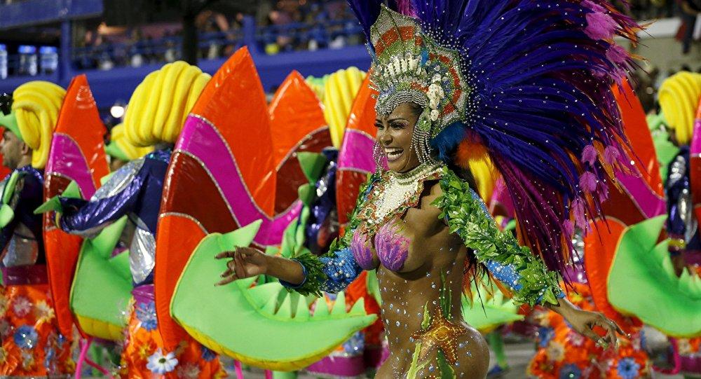 Una participante del Carnaval de Río de Janeiro