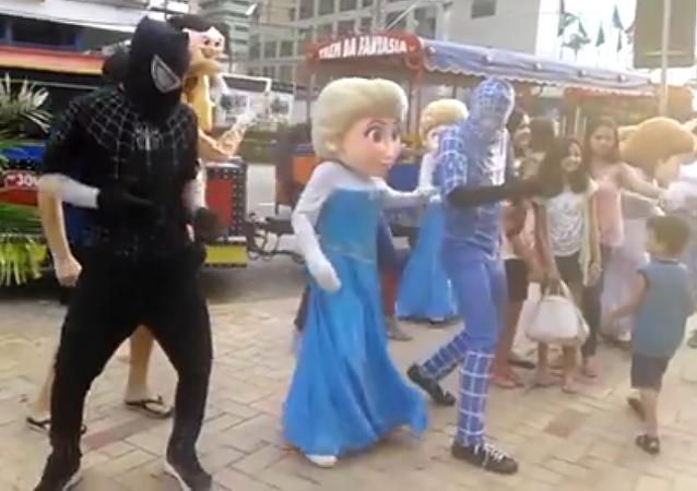 Los personajes de Disney presentes en el carnaval brasileño