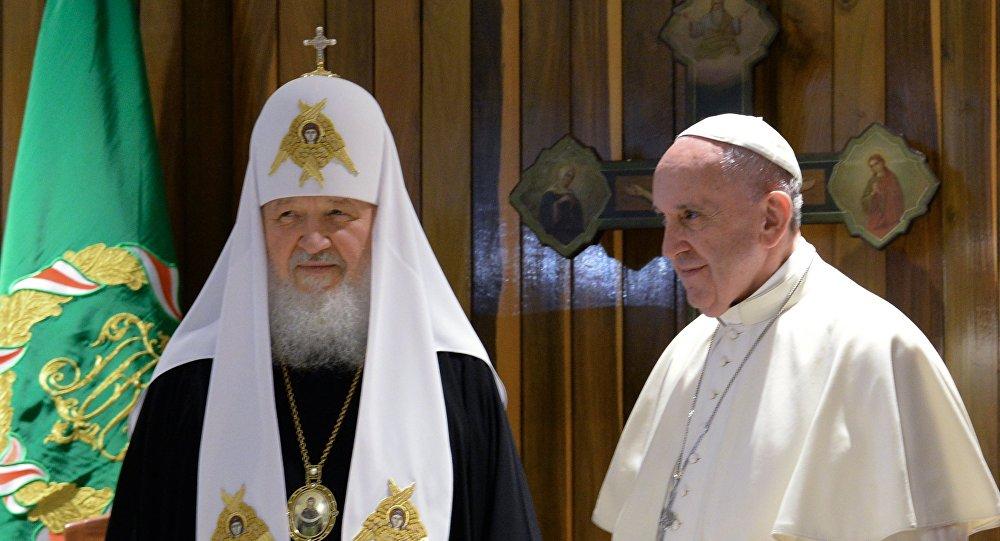 El patriarca Kiril y el Papa Francisco en la Habana