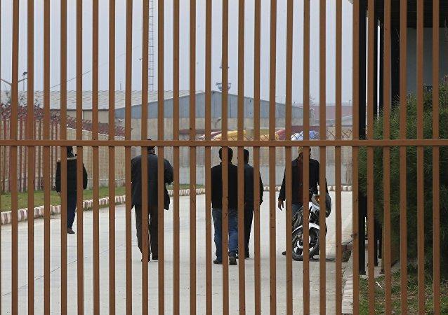 Sirios en la frontera turco-siria