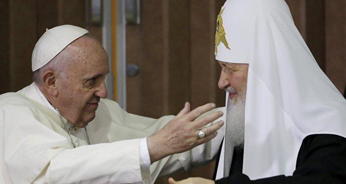 Papa Francisco y patriarca ruso Kiril