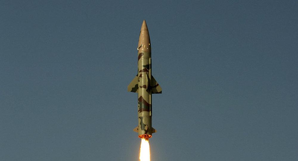 Lanzamiento del misil balístico Prithvi-II en 2010