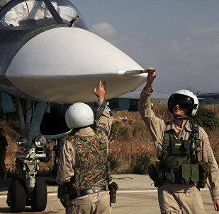 Militares rusos en la base aérea de Hmeymim, Siria (archivo)