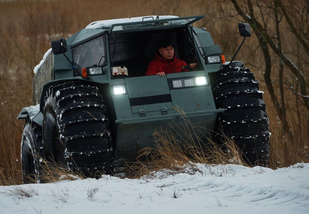 El todoterreno anfibio ruso que conquistó la fama en la Red