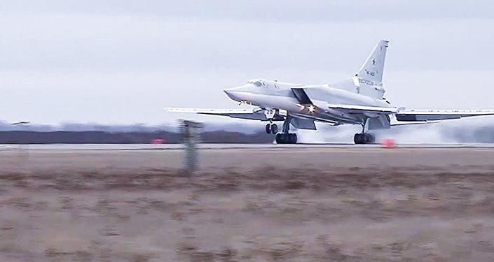 El avión ruso bombardea a los terroristas en Siria
