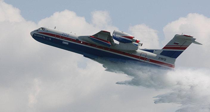 Avión anfibio Be-200ChS